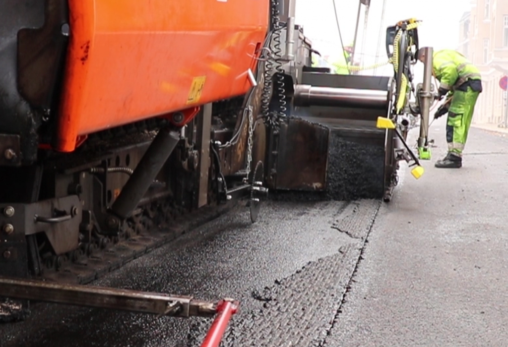 MatTravker for Pankas in Denmark on Asphalt Paver
